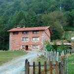 Acceso vista fachada Este, molino y monte Seambe