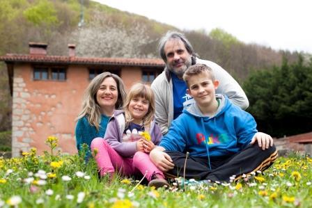 casa rural ecológica Kaaño etxea - foto familiar - Sayaka