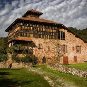 Casa rural ecológica Kaaño etxea - Baztan - Arraioz - Palacio Jauregizarra.