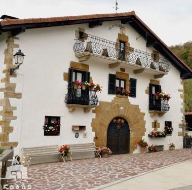 casa rural ecológica Kaaño etxea - Valle Ultzama - Navarra-Museo Apicultura Eltso